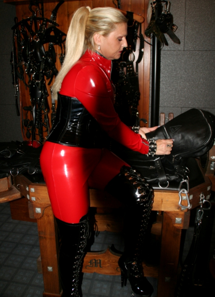 Foot Fetish Dominatrix Tina Kay Commands a Deep Hardcore